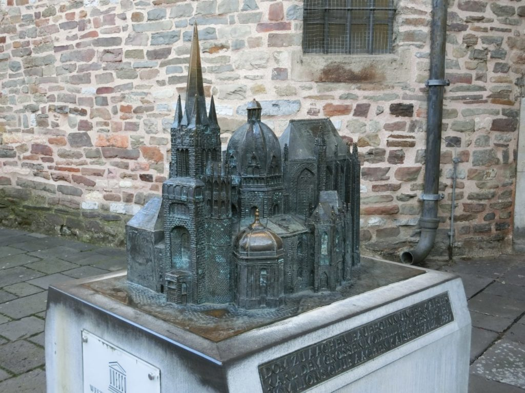 アーヘン大聖堂 全体像